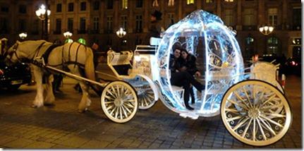 demande au mariage dans le carrosse de Cendrillon